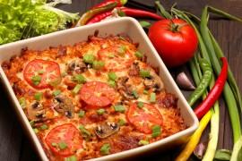 Prosta zapiekanka z serem, pomidorami i pieczarkami