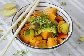 Wegańskie curry z batatami, cukinią i mlekiem kokosowym