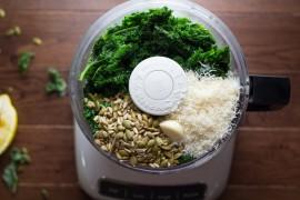 10 pomysłów na posiłek z dodatkiem JARMUŻU