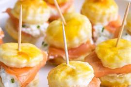 Koreczki z łososia i sera – idealne na sylwestra!