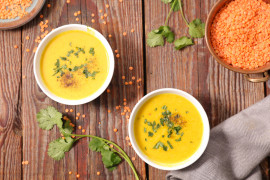 Zupa z soczewicy i kurkumy