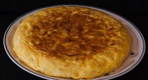 Oryginalny przepis na hiszpańską tortille de patatas (z cebulą)