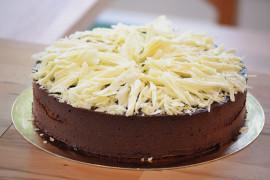 Wykwintny tort czekoladowy – na specjalne okazje