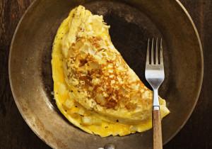 Kremowy omlet z łososiem
