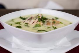 Zupa warzywna z kurczakiem i ryżem