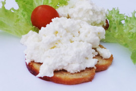 Śniadaniowy twaróg z mlekiem kokosowym
