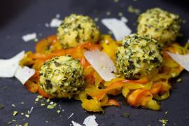 Serowe kuleczki w orzechach- 3 składniki
