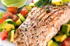 Grillowany tuńczyk ze szpinakiem