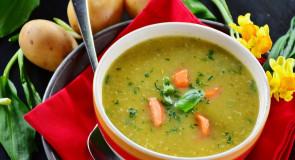 Hiszpańska zupa ziemniaczana z chorizo