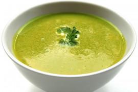 Kremowa zupa ze świeżego szpinaku, kalafiora i selera
