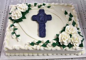 Jak udekorować tort komunijny? 10 inspiracji