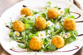 Kuleczki marchewkowe – do sałatek, wrapów