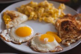 Idealna jajecznica z mlekiem