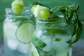 WYZWANIE H2O: woda aromatyzowana zielonym ogórkiem i winogronami