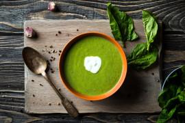 WYZWANIE ZUPNE – zupa krem z mrożonego szpinaku
