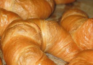 Rogaliki francuskie nadziewane cielęciną z kozim serem