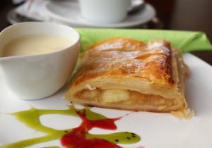 Ciasto francuskie z jabłkiem