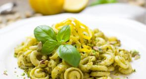 Włoski smakołyk: makaron z pistacjowym pesto