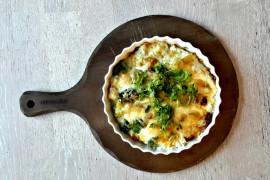 Tarta z brokułem i serem pleśniowym
