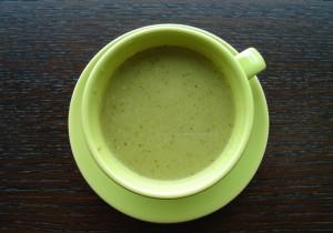 Zupa ze świeżym ogórkiem i rzodkiewką