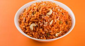 Gajar ka halwa – indyski deser z mlekiem i marchewką