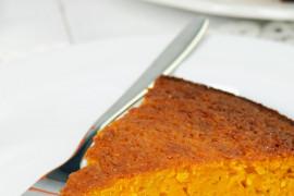 TYDZIEŃ MARCHEWKOWY: Błyskawiczne ciasto marchewkowe z orzechami