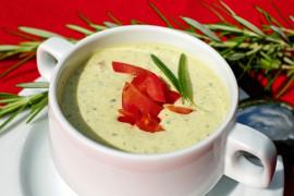 Kremowa zupa z cukinii – porcja dla dwóch osób