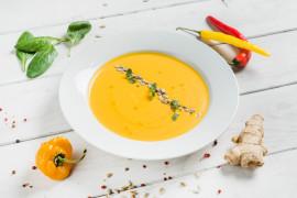 Zupa paprykowa z prażonym słonecznikiem