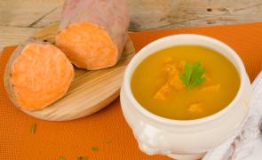 Zupa krem ze słodkich ziemniaków i cebuli