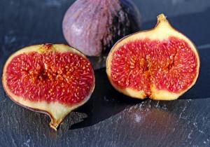 RADY EKSPERTA: Jak jeść i obrać figę?