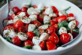 #tydzieńSAŁATKOWY – mix pomidorków koktajlowych i mozzarelli