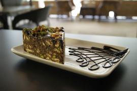 Ciasto mocno czekoladowe ze słonymi pistacjami 🎂