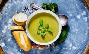 Kremowa zupa z cukinii + grzanki czosnkowe