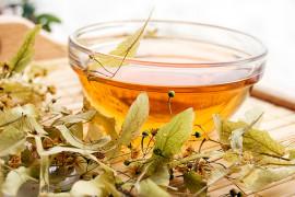 Napar z lipy i miodu – najlepszy na grypę i przeziębienie