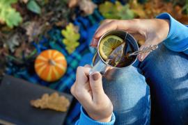 Rozgrzewająca herbata ze skórką z cytrusów