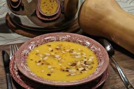Zupa krem z batatów z migdałami – przepis ANNY LEWANDOWSKIEJ