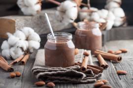 Jogurt o smaku kakao z dodatkiem cynamonu