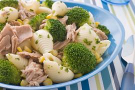 Błyskawiczny obiad w 10 minut – makaron z tuńczykiem i brokuł