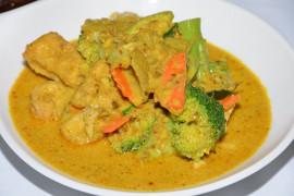 Curry z warzywami i mlekiem kokosowym