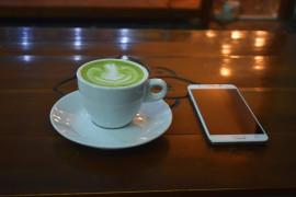 Herbata matcha z mlekiem ryżowym