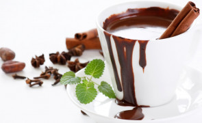 Gorąca czekolada z mlekiem ryżowym