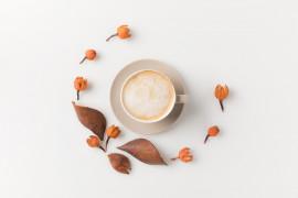 Pierniczkowa kawa z mlekiem kokosowym