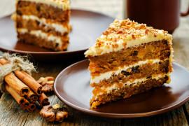 Ciasto marchewkowe przekładane kremem z serka mascarpone