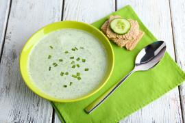 Kremowa zupa z ogórka i koperku