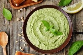 Pasta z zielonego groszku i pietruszki – idealna do grzanek i kanapek!