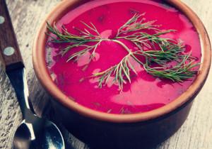 Kremowa zupa z pieczonym burakiem i kozim serem