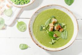 Zielona zupa z brokuła i szpinaku