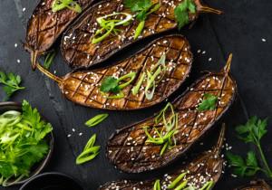 Genialne bakłażany pieczone z ziołami