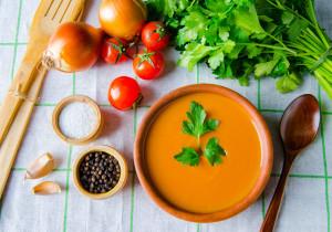 Kremowa zupa z pomidorów i pomarańczy