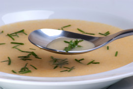 Zupa z czosnku i ziemniaków